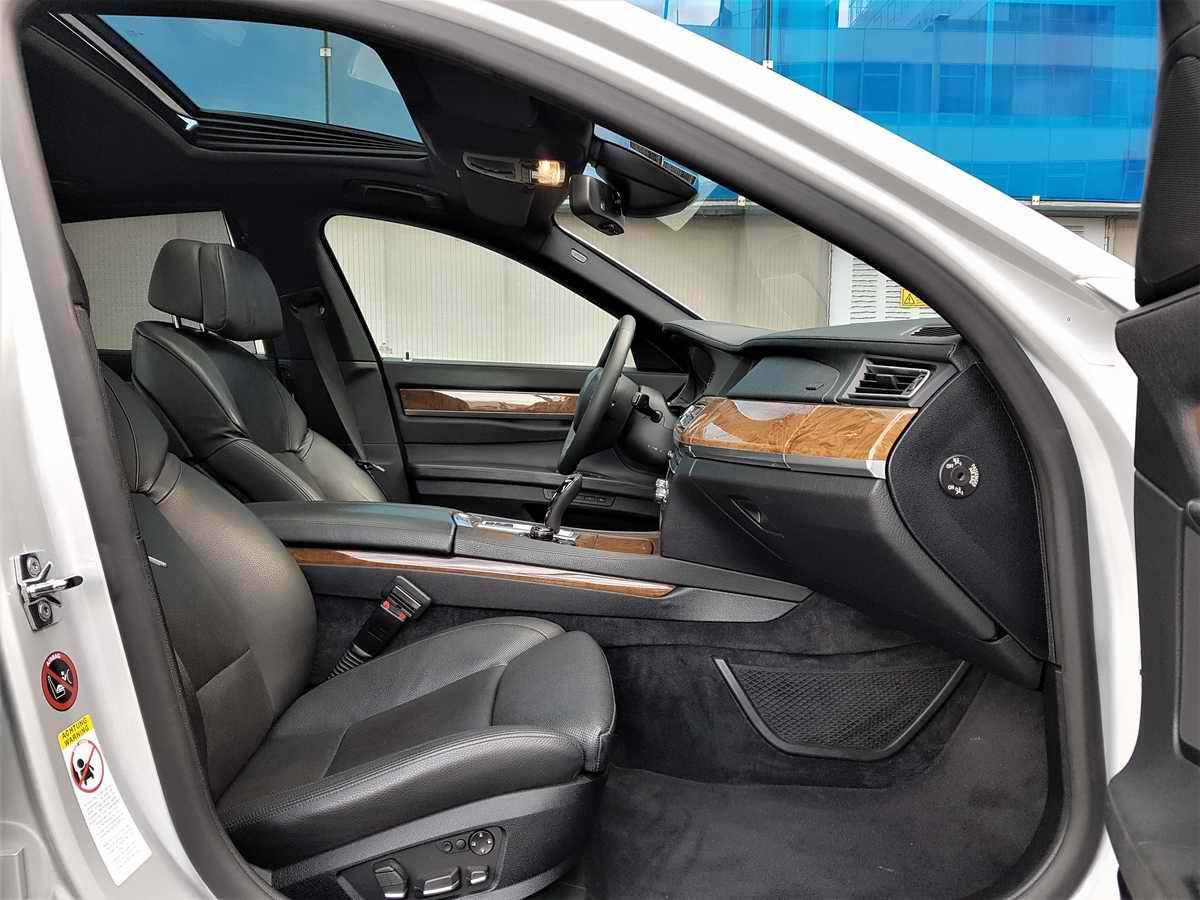 BMW 730d F01_05